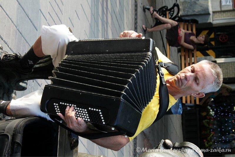 Играй гармонь, Саратов, проспект Кирова, 26 июля 2012 года