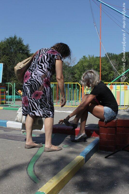 Участники ЗАБЕГа на шпильках, Саратов, городской парк культуры и отдыха имени Горького, 04 августа 2012 года