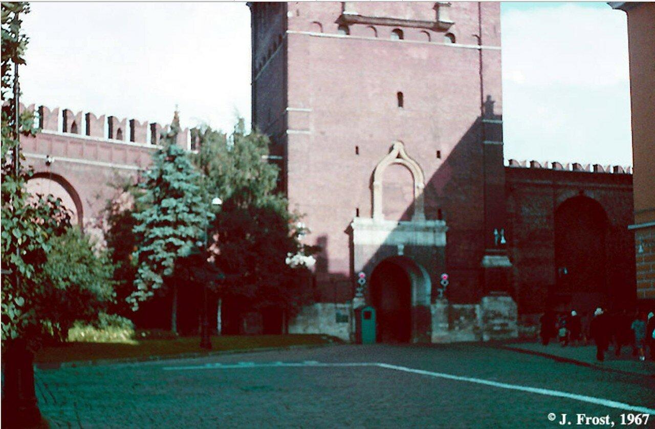 1967. Москва.  Главный вход в Кремль через Спасскую башню