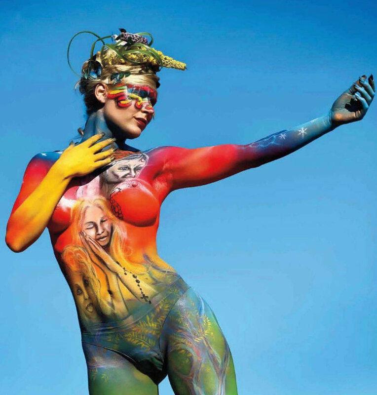 буйство красок в Playboy Magazine Mexico August 2012