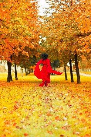 Девушка Осень в картинках и фото