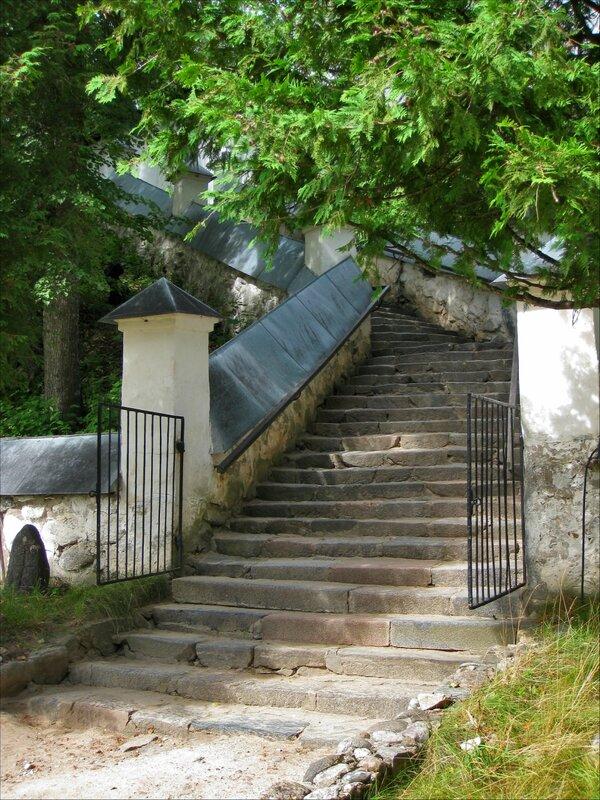 Пушкинские горы, Святогорский монастырь. Лестница к Успенскому собору