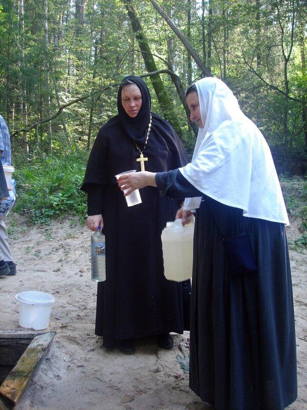 Лето, паломничество в Саров к Преподобному Серафиму