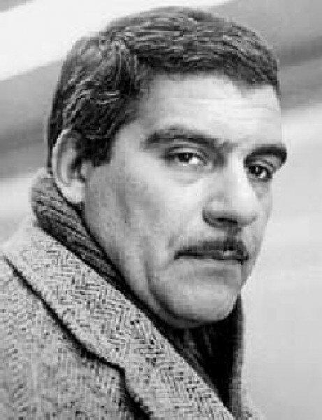 Сергей Довлатов родился в эвакуации и умер в эмиграции. Как писатель