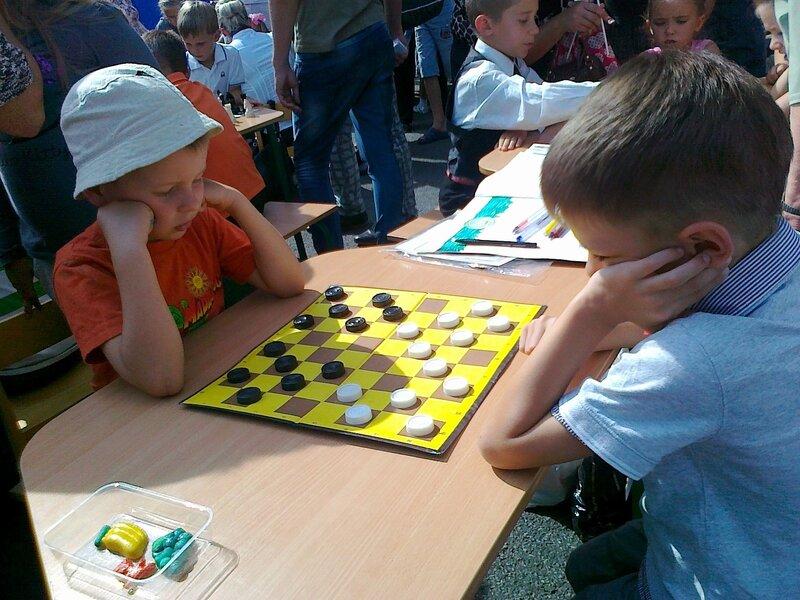 Партия в шашки на Крещатике