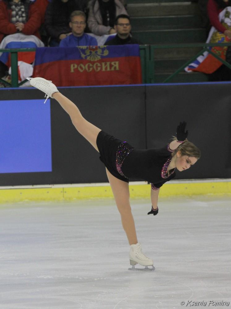 Юлия Липницкая - 3 - Страница 3 0_c92bd_44c20a45_orig
