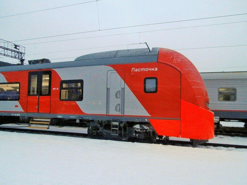 Головной вагон электропоезда ЭС2Г