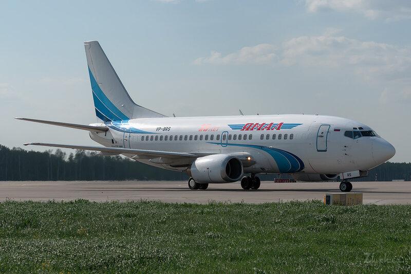 Boeing 737-528 (VP-BRS) Ямал DSC0230