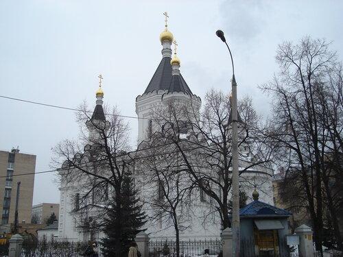 Михаила Архангела при Клиниках на Девичьем поле храм
