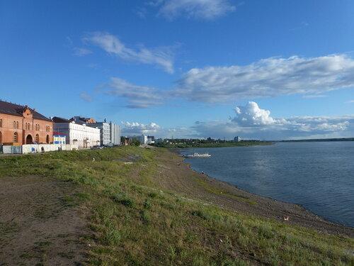 берег реки Томь
