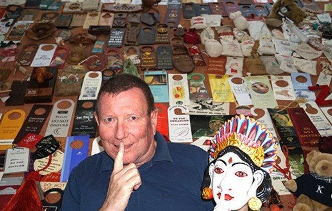 Побившая предыдущий рекорд из 11 111 предметов, коллекция знаков «Не беспокоить» немца по имени Рейнер Вайхерт (Rainer Weichert) состоит из 11 570 знаков, которые он собрал из отелей, круизных кораблей и самолётов в 188 странах по всему миру, начиная с 1990 года.