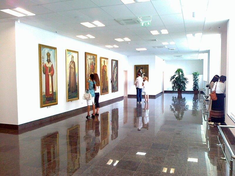 Экспозиция  первого этажа Музея истории Киева