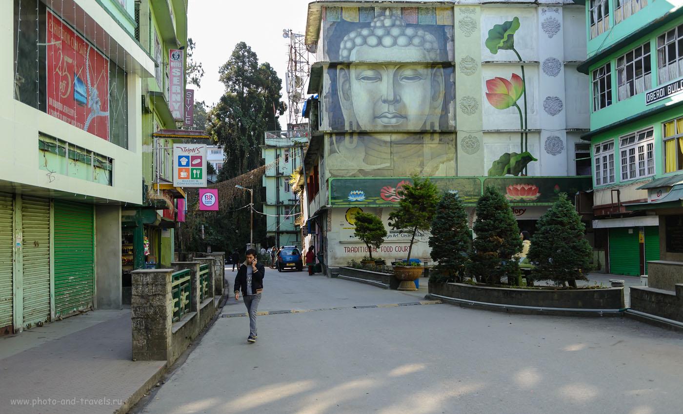 14. Граффити на стене дома в Сиккиме. 3.2, 1/400, 640, 32.