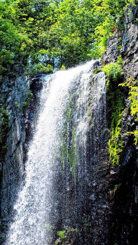 беневский водопад