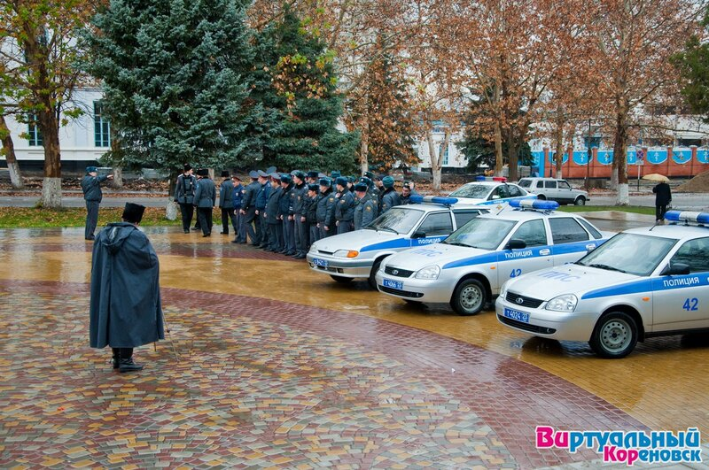 Строевой смотр казаков Кореновского казачьего общества 07 декабря 2012 года. Фото