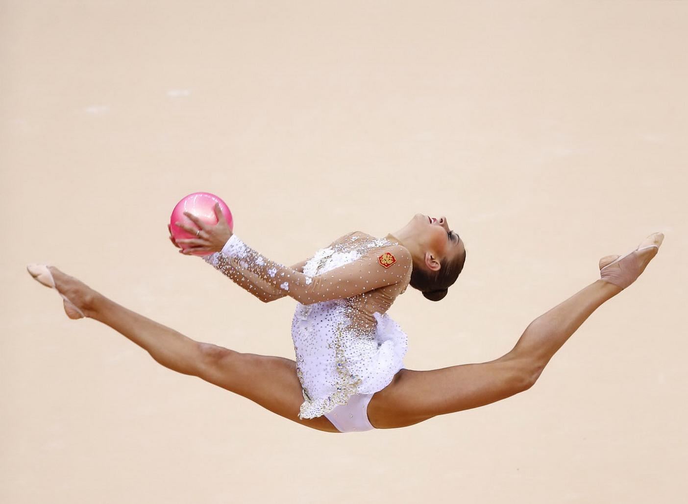 Фото попки олимпийских гимнасток фото 151-561