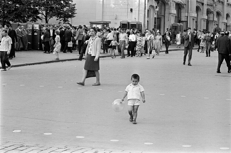 405347 ����� 25 �������. ������ ����. Constantine Manos. 1965
