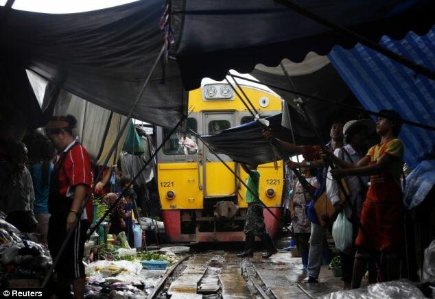 Опасный рынок Бангкока