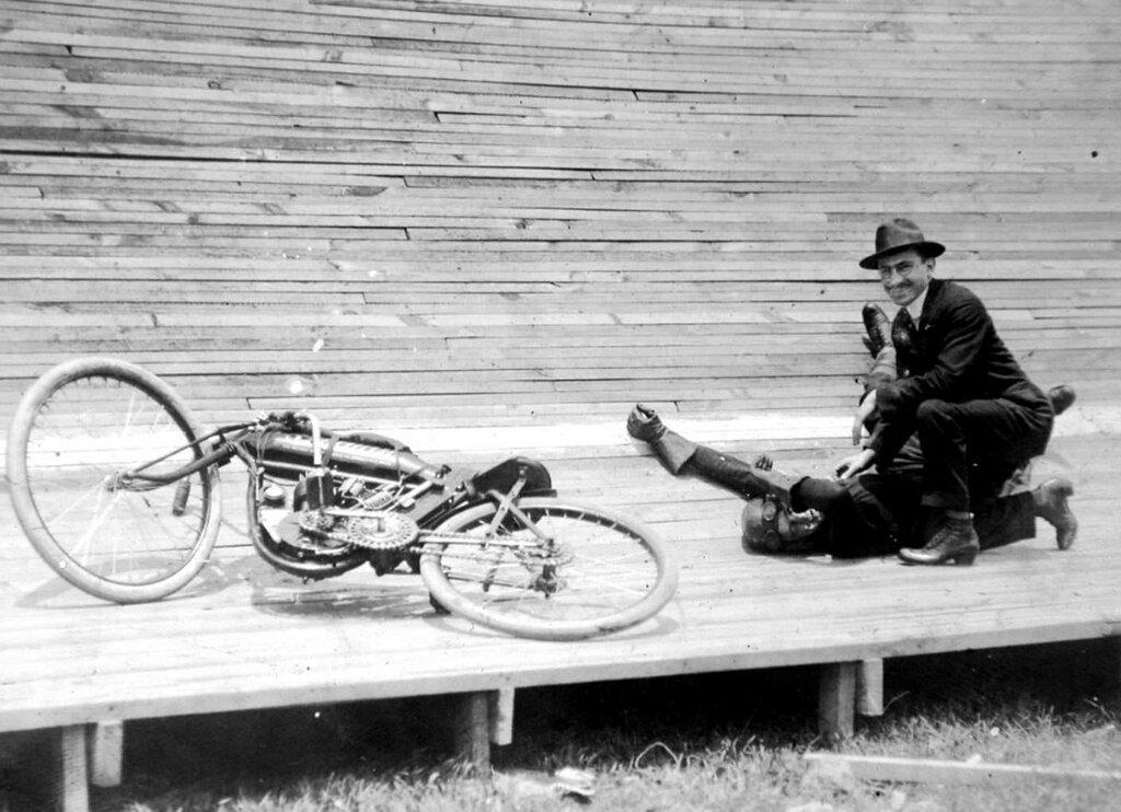 board-track-racing-motorcycle.jpg