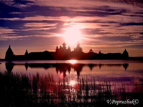 багровый закат Соловки