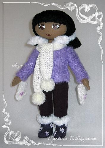 текстильная кукла, кукла в сиреневой кофточке, темнокожая текстильная кукла, кукла с восточными глазами.