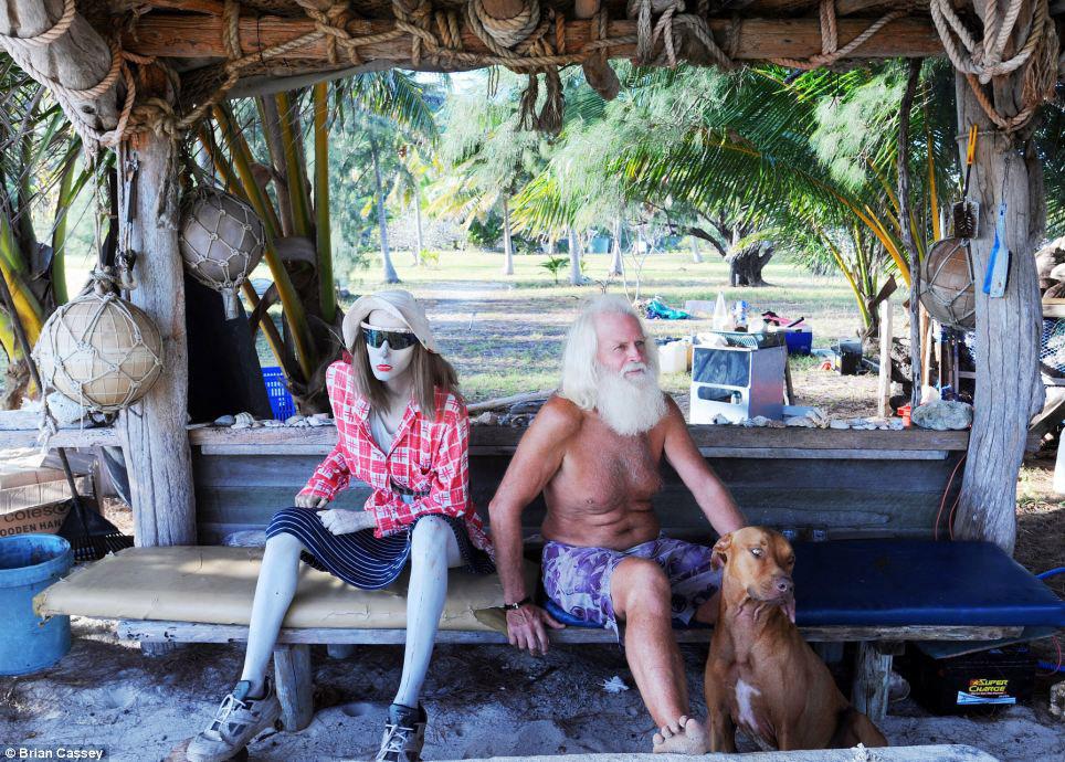Прно на необитаемом острове 21 фотография