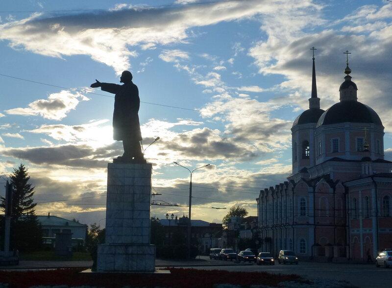 Центральная площадь Томска. Ленин