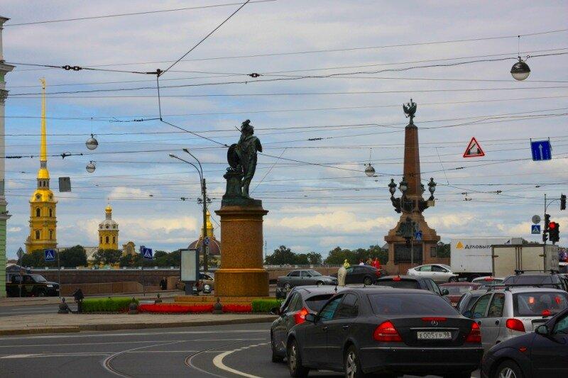 Въезд на Троицкий мост