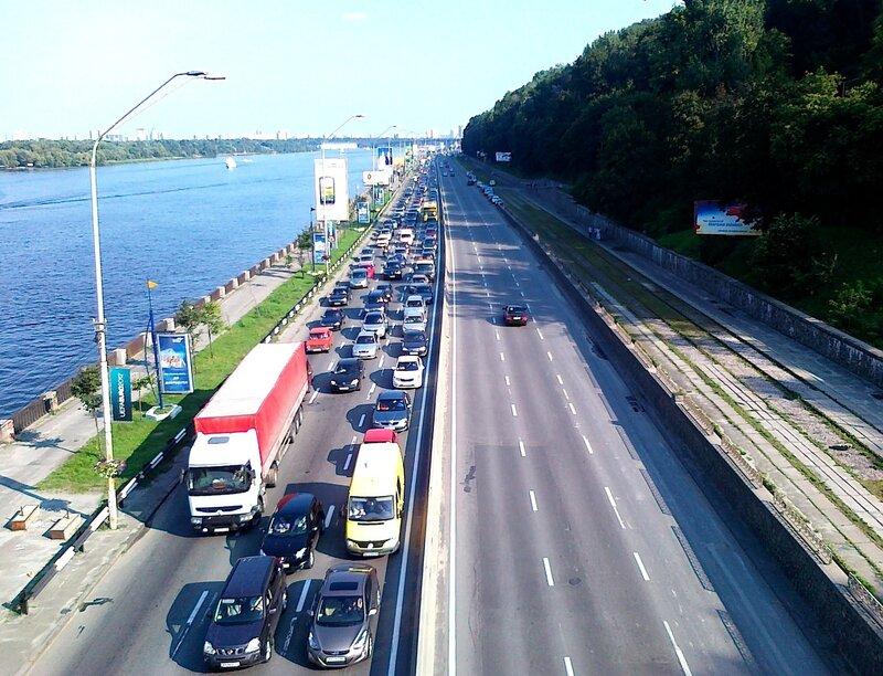Ограниченное движение на Набережном шоссе