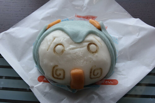 японская реклама, Вокалоиды, Хатсунэ Мику, FamilyMart, Hatsune Miki, Vocaloids, отведать пирожок Хатсунэ Мику, русские отаку в Японии