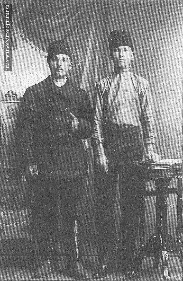 Ф. Роговенко. Х.П. Гаранин (Слева) и А.Г. Фролов. 1912
