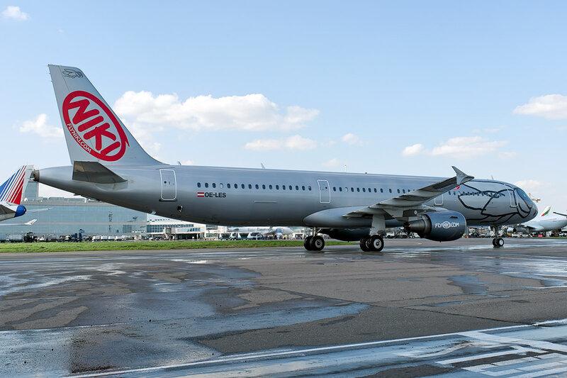Airbus A321-211 (OE-LES) Niki DSC_0081