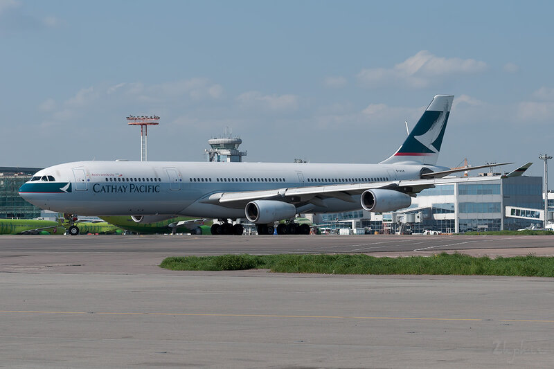 Airbus A340-313X (B-HXK) Cathay Pacific DSC0257