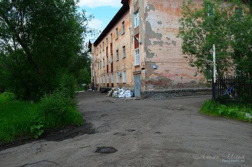 Фото города Инта №7833  Юго-западный угол Социалистической 4а (суд) 21.06.2015_14:49