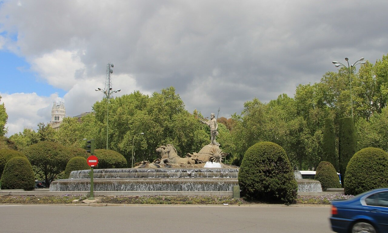 Мадрид. Фонтан Нептуна (Fuente de Neptuno)