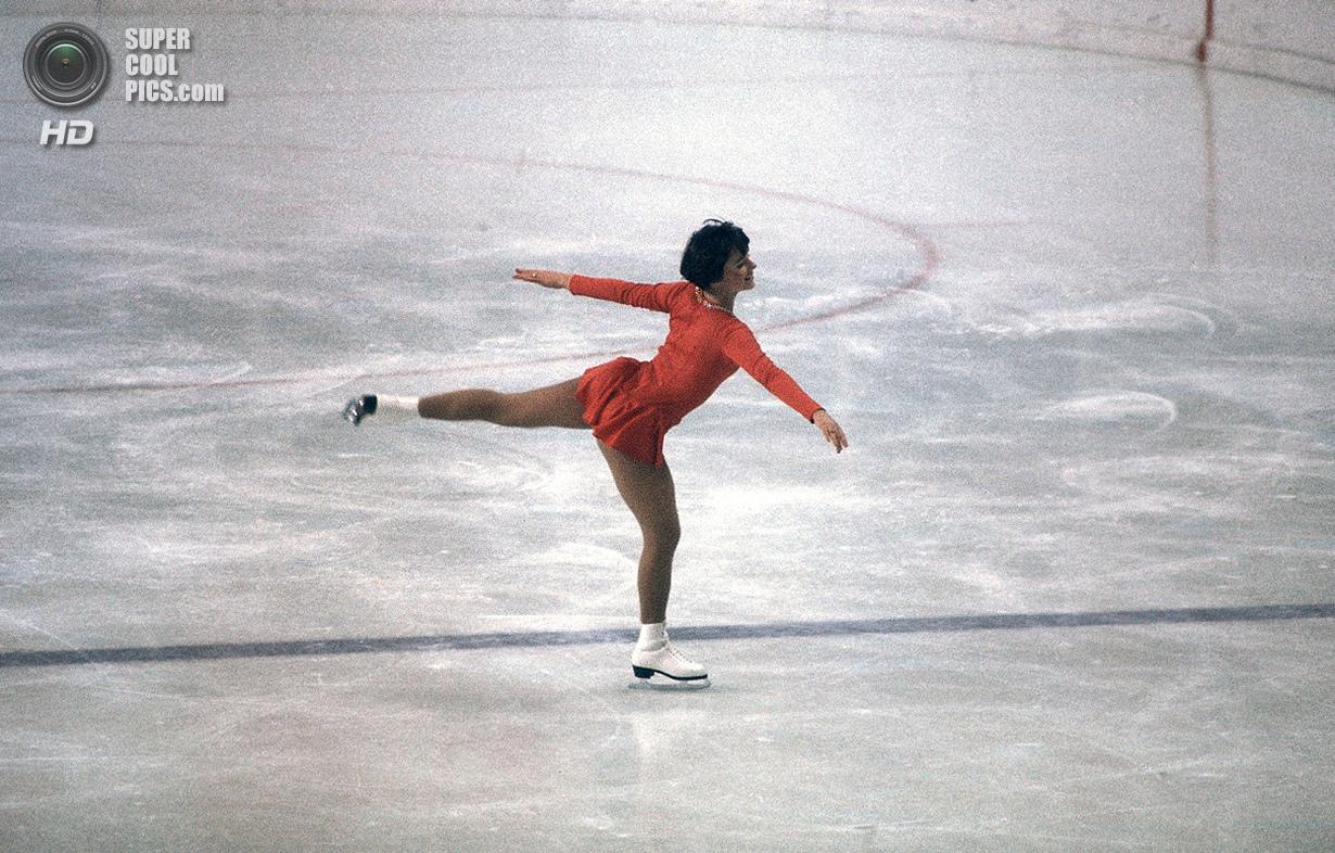 Австрия. Инсбрук, Тироль. 13 февраля 1976 года. Американская фигуристка Дороти Хэмилл во время сорев