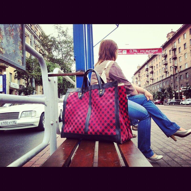 Красная сумка. Пл. Революции
