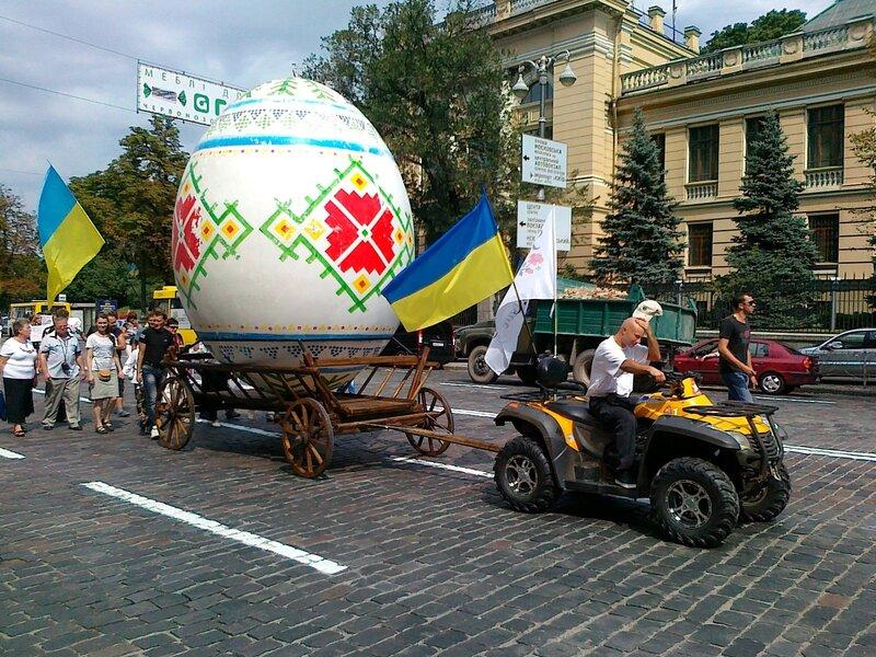 Колонна Киева на Параде вышиванок 2012