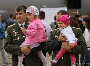 Фото отцы и дети на празднике 100-летия ВВС