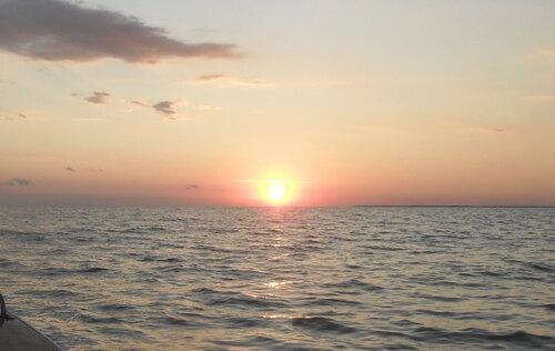 За Солнцем, в Бейсугском лимане на закате, июнь 2011
