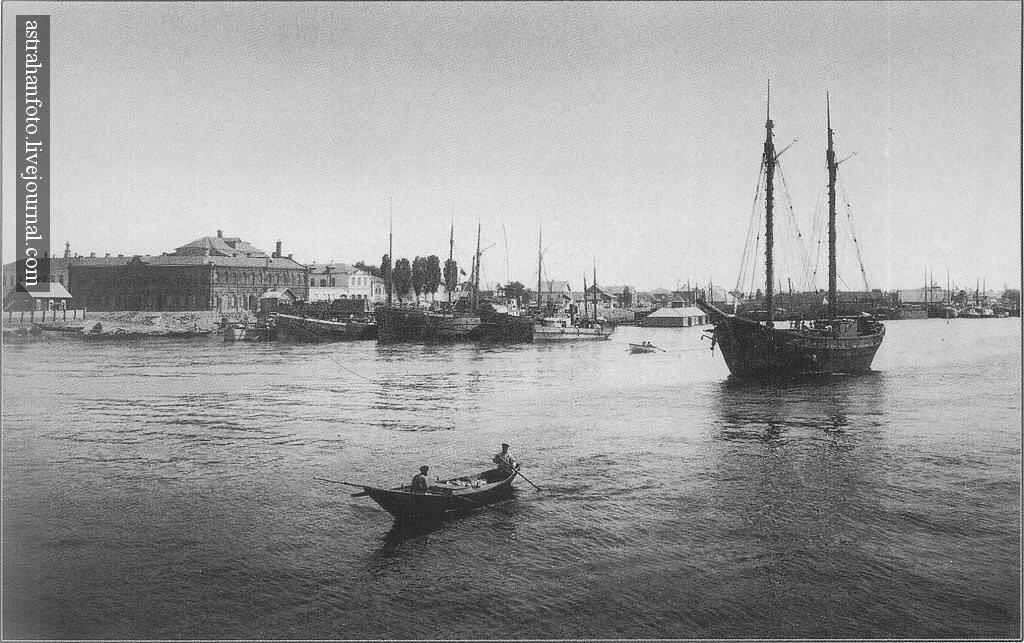 И.М. Бочкарев. Вид с Волги на северную часть Астрахани. 1910