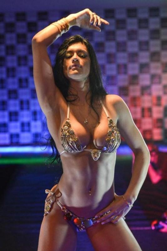 Фото красивых голых девушек из бразилии 18 фотография