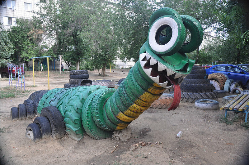 Детская площадка.Из отходов,но с фантазией.