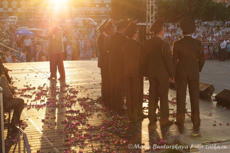 Золотые огни Саратова / Щит и Лира, Саратов, 30 июня 2012 года