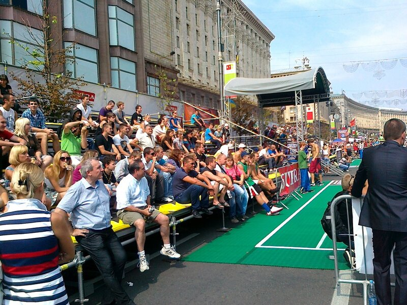 Трибуны суперфинала по стритболу на Крещатике