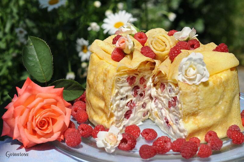 Как красиво украсить блинный торт