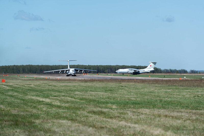Ильюшин Ил-78М (RF-94274 / 36 синий) D807855a