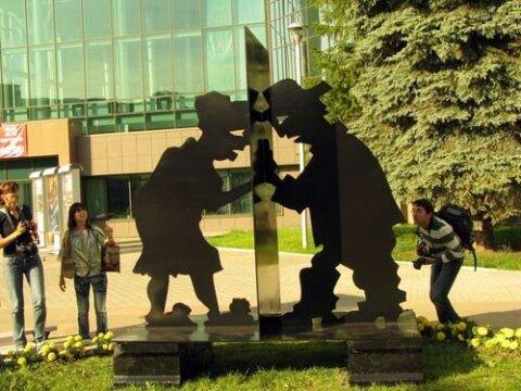 Памятник Любопытству в Екатеринбурге