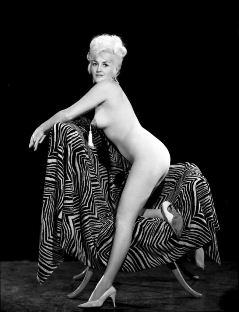 Эротические купальники 60х годов 25 фотография