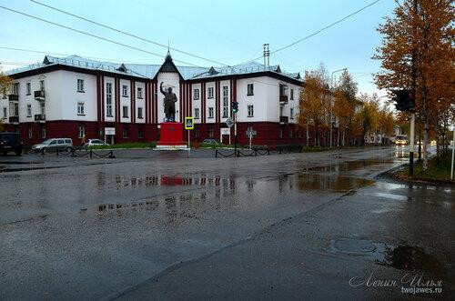 Фото города Инта №8137  Северо-восточный угол Кирова 19 08.09.2015_17:19